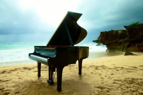 pno-at-beach